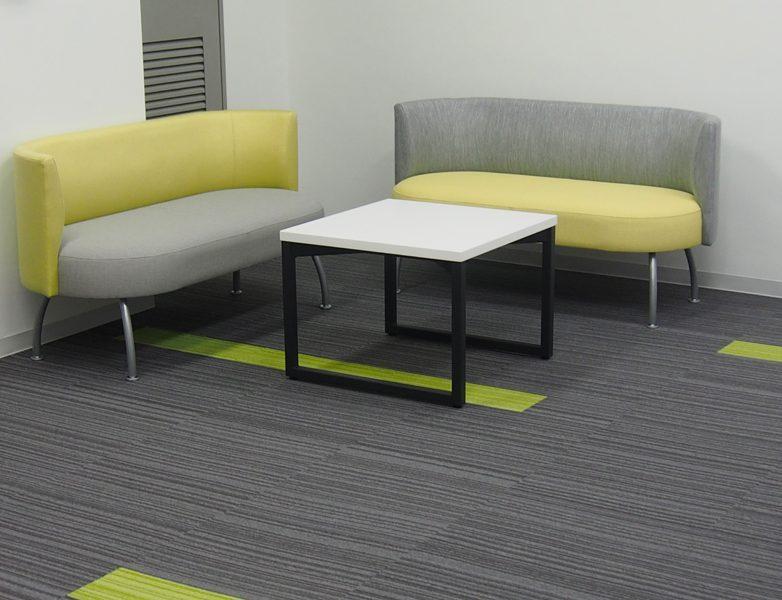 オフィス施工事例エントランス待合スペース