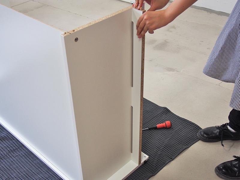 可動棚ローシェルフ共通扉付きの組み立て