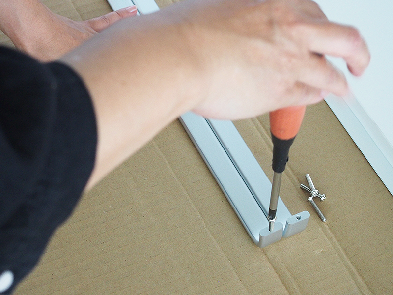 プリーマⅡ木製シェルフロー共通扉の取り付け方