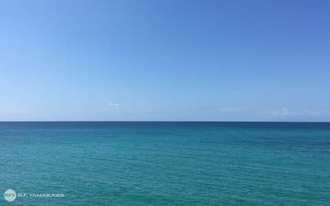 波風立てたくない会議には、水平線背景